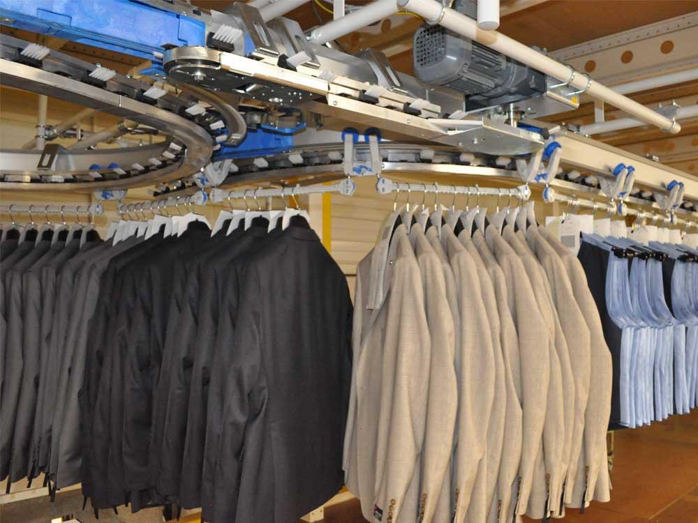 Hängefördersystem Textillogistik